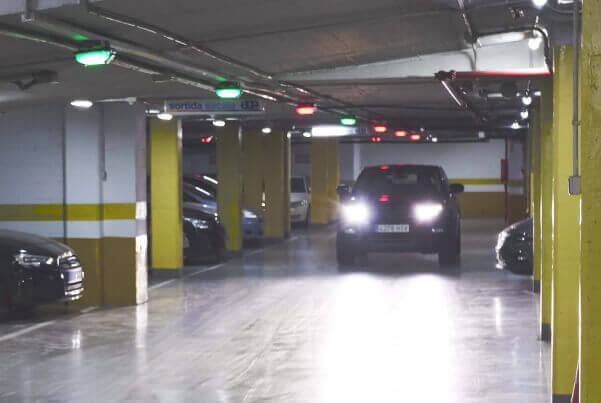 Vehicle driving through a Quercus Technologies facility