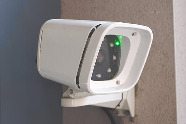 SmartLPR Access camera controlling the entry of a parking lot