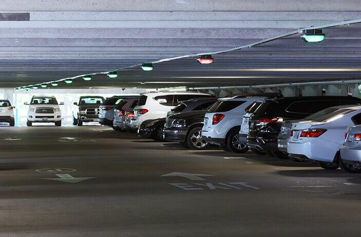 Photo du système de guidage pour le stationnement à l'hôpital pour enfants