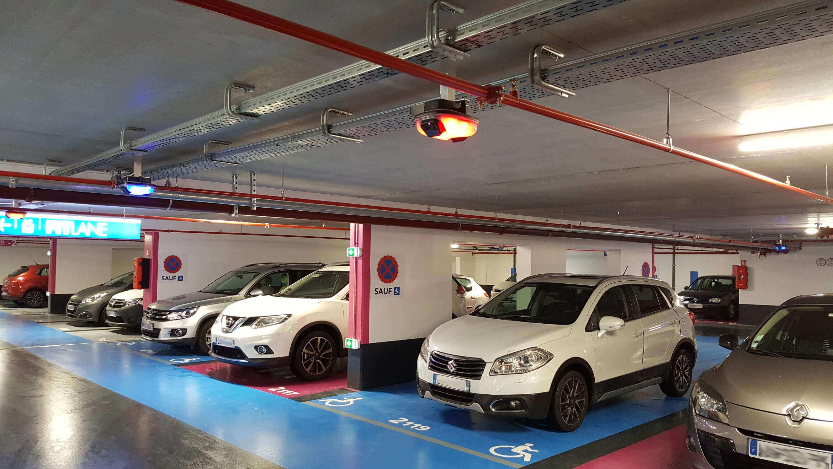 Foto del parking del Centro Comercial Olympie 3