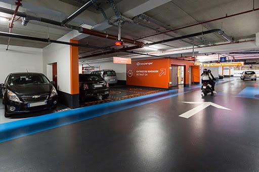 Foto del parking del Centro Comercial Olympie
