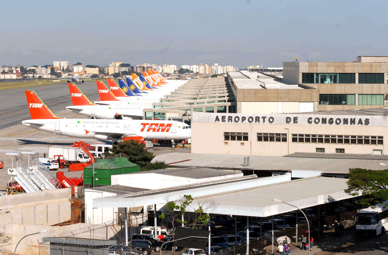 Imagem do exterior do aeroporto de Congonhas
